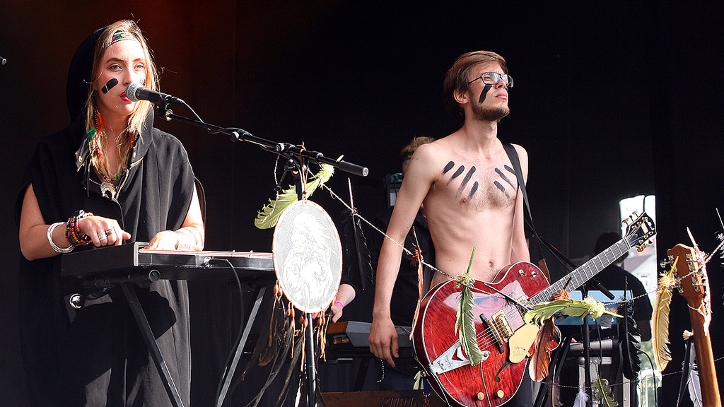 Highasakite performing in 2012. Image by NRK P3 via Flikr